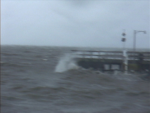 st simons pier during Hurricane Frances